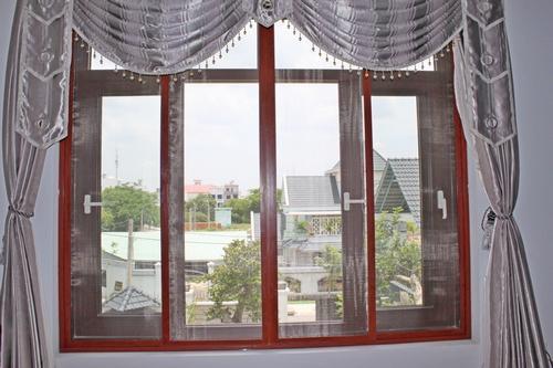 Cửa lưới chống muỗi, sản phẩm phù hợp cho người già và trẻ nhỏ