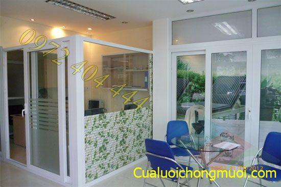 Cua_luoi_chong_muoi_Luong_tien_phu_hop_voi_tap_quan_dinh_hoat_cua_nguoi_Viet