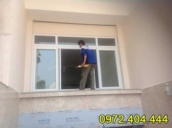Công ty Lương Tiến chuyên thi công cửa lưới chống muõi